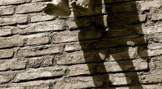 Un chauffage solaire passif avec un mur capteur ou un mur Trombe